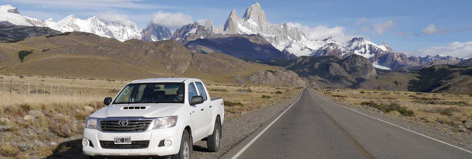 Car in front of El Chaltén